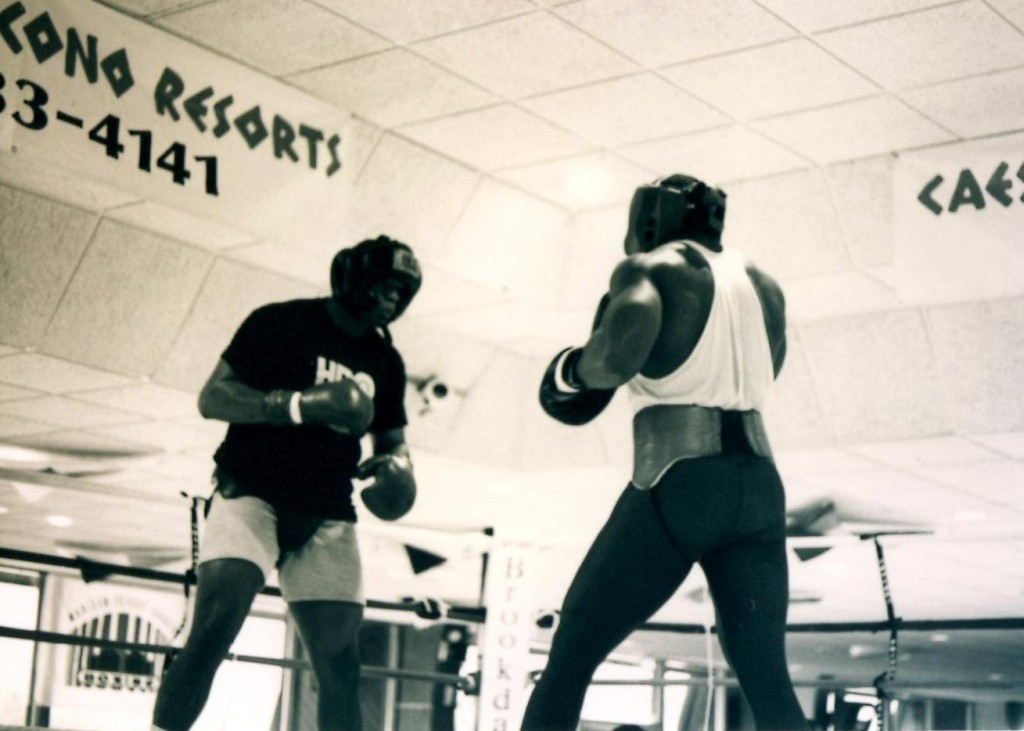 "World Heavyweight champion Riddick ""Big Daddy"" Bowe training in the Poconos for his upcoming February 6, 1993 bout with Former Champion Michael ""Dynamite"" Dokes"