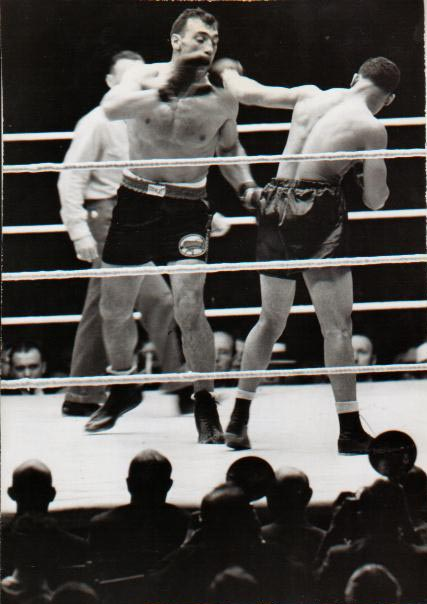 Joe Louis vs. Primo Carnera in 1935 (CLICK PHOTO TO VIEW FIGHT ACTION)