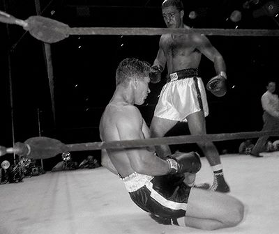 "Rocky Marciano vs. Harry ""Kid"" Matthews in 1952"