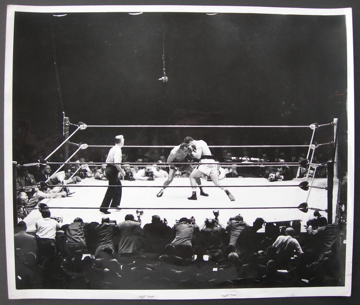 Rocky Marciano vs. jersey Joe Walcott II in 1953 (CLICK ON PHOTO TO VIEW FIGHT ACTION)