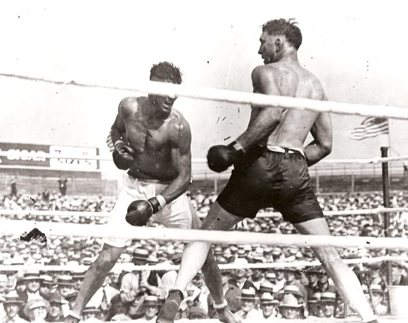 jack Dempsey challenging Jess Willard in 1919 (CLICK PHOTO TO VIEW FIGHT CLIP)