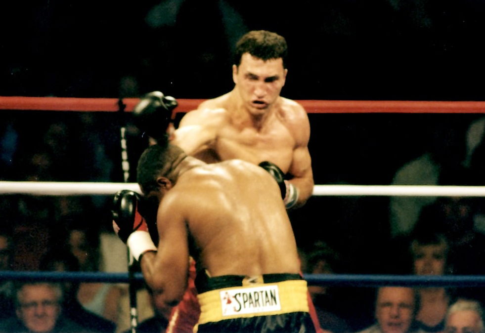 Wladinir Klitschko vs. Ray Mercer * PHOTO BY ALEX RINALDI)