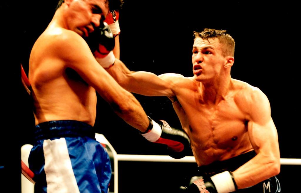Mario Veit (R) defeats Jorge Sclarandi in 1999
