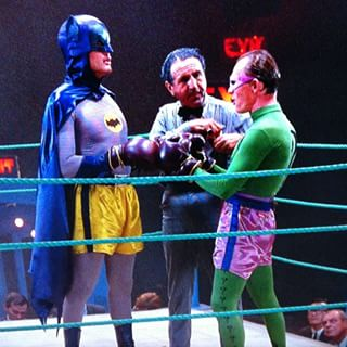 Batman fighting the Riddler