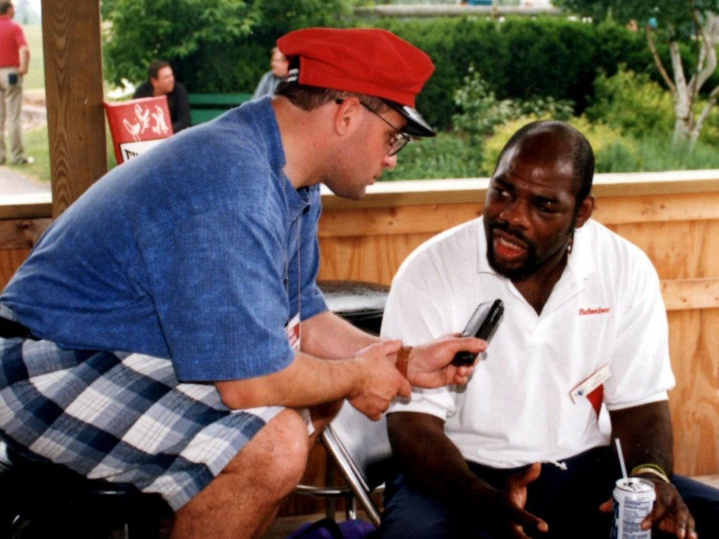"John Rinaldi interviewing the great Champion Iran ""The Blade"" Barrkley *(PHOTO BY ALEX RINALDI)"
