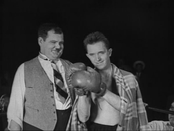 Laurel and Hardy Boxing 1.