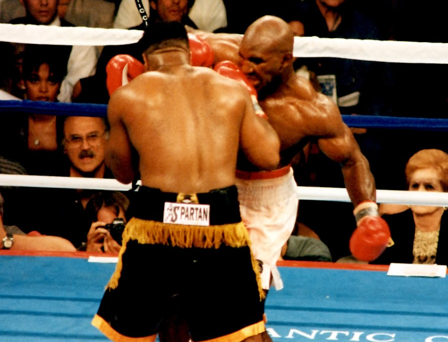 Evander Holyfield about to land a left hook to Ray Mercer on May 20, 1995 in Atlantic City, NJ (PHOTO BY ALEX RINALDI)