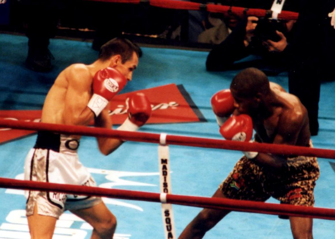 Ricardo Lopez (R) squaring off against challenger Zolani Petelo (L) in defense of his IBF Light Flyweight Title on September 29, 2001, in New York's Madison Square Garden (PHOTO BY ALEX RINALDI)
