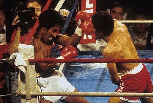 Wlifredo Gomez beats Lupe Pintor.