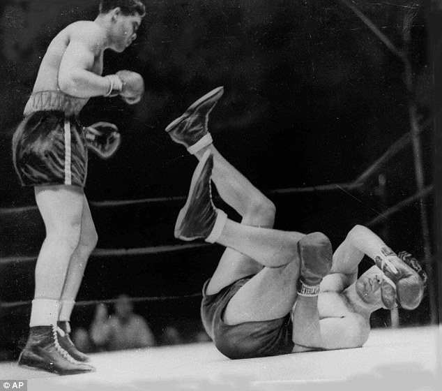 Joe Louis vs,Max Schmeling in 1938.