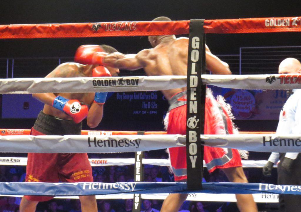 Mazion punching Daquan Pauldo