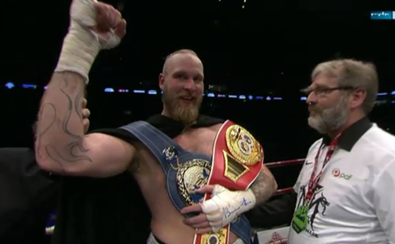 Helenius-Teper - Robert Helenius the winner.