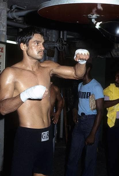 Roberto Duran in training for the defense of his Lightweight Championship.