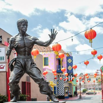 Bruce Lee statue in Los Angeles' Chinatown