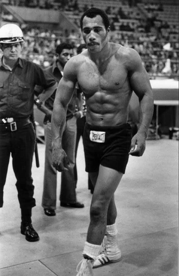 Heavyweight Champion Ken Norton.