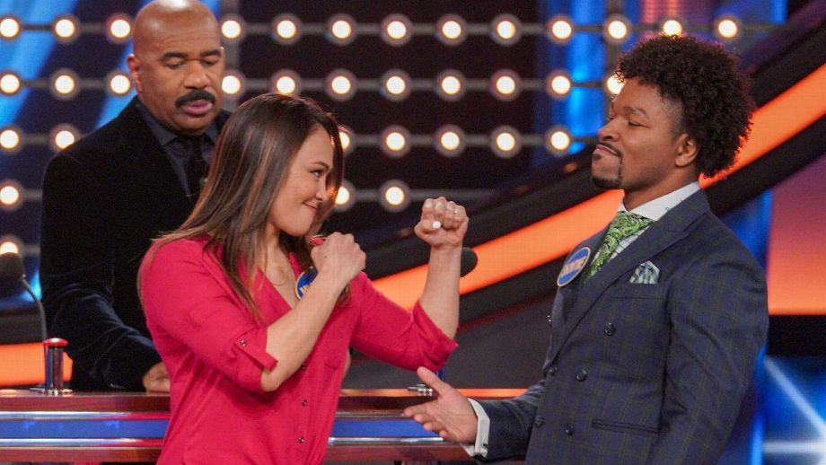 "UFC strawweight Michelle Waterson was ready for battle, but welterweight boxer Shawn Porter and his WBC teammates had the last word on ""Celebrity Family Feud."""