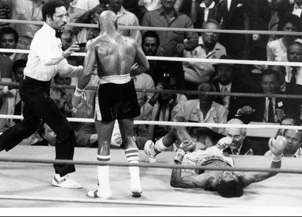 Marvelous Marvin Hagler KO's Thomas Hearns in their 1985 War.